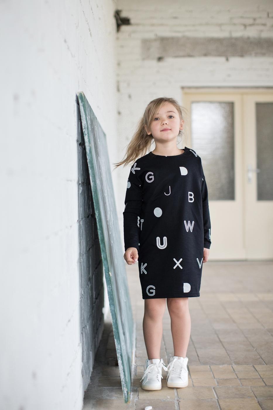 písmenká šaty