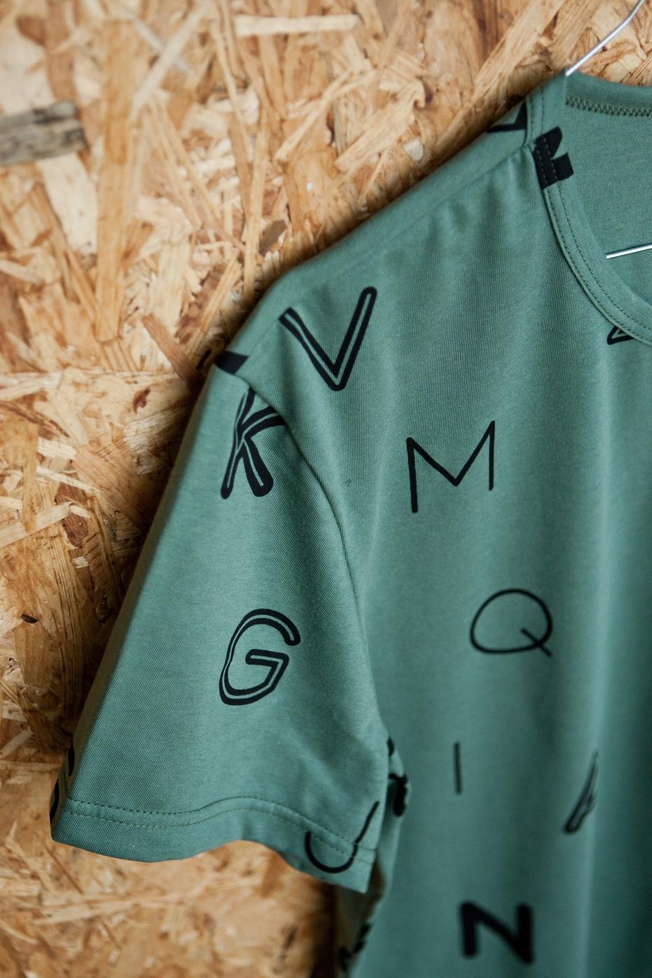písmenká pánske tričko