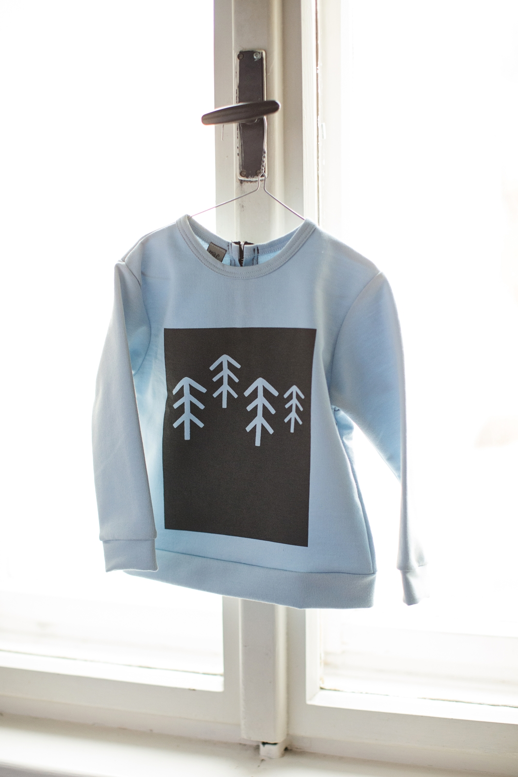 frosty trees sweatshirts