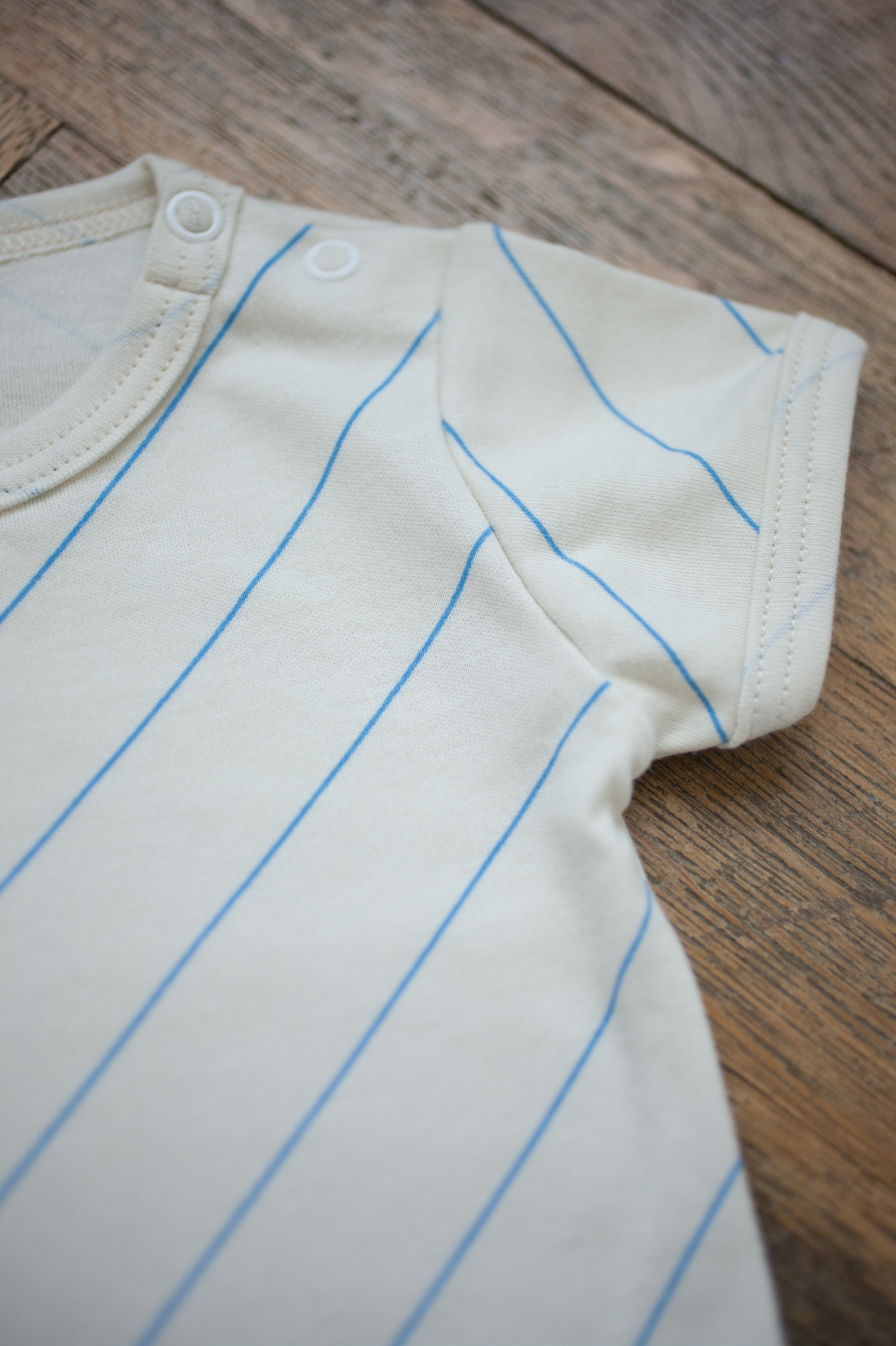 diagonal line summer tops