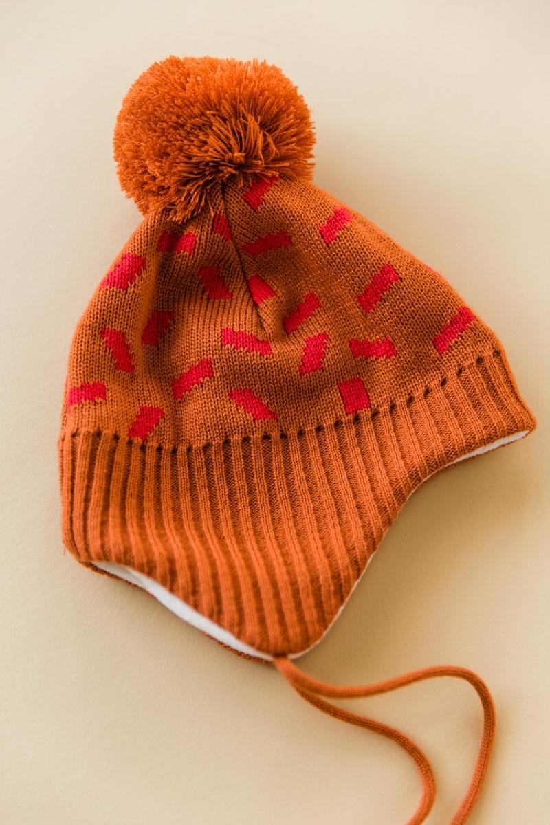 terakotová čapica s uškami