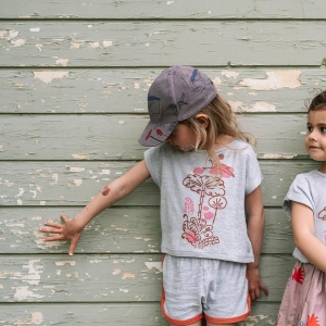 you can make friends anywhere with #dinolovecollection #summerdrop #dinosonholidays 😉 #kolekciadinolaska